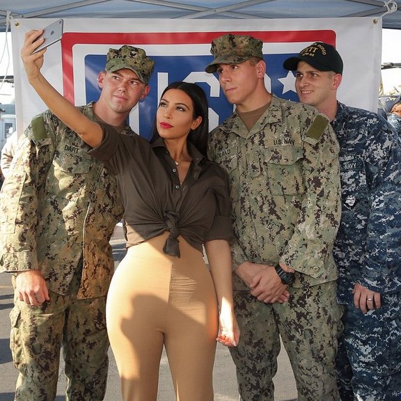 Kim Kardashian makes selfie with soldiers visiting the American base