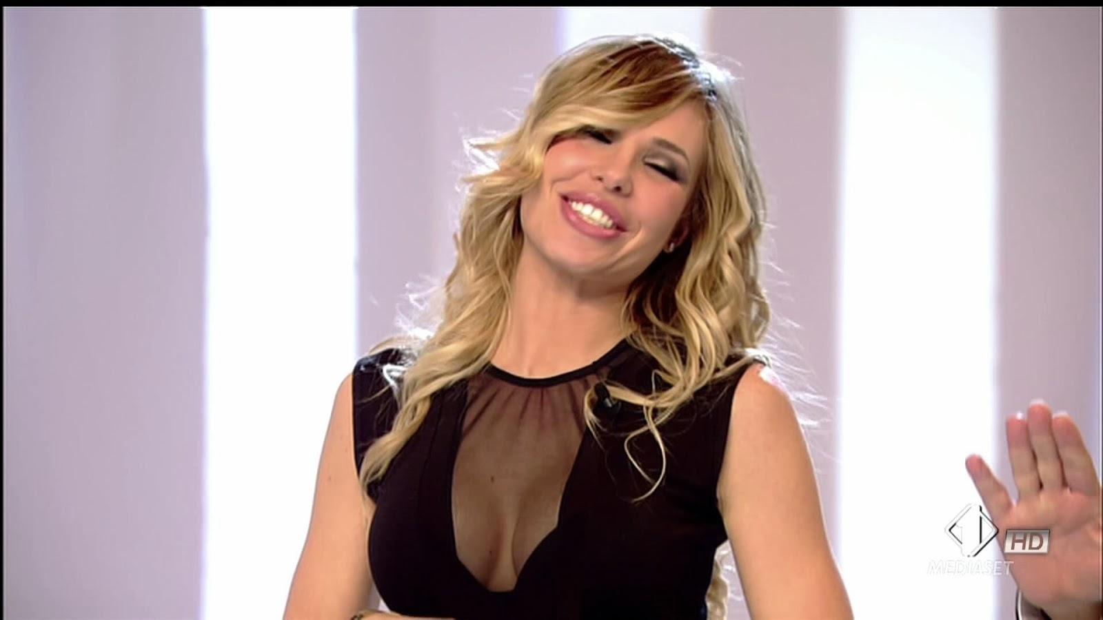 Iene: GNOCCACHANNEL_: Ilary Blasi Le Iene Show 26-11-13 VIDEO HD