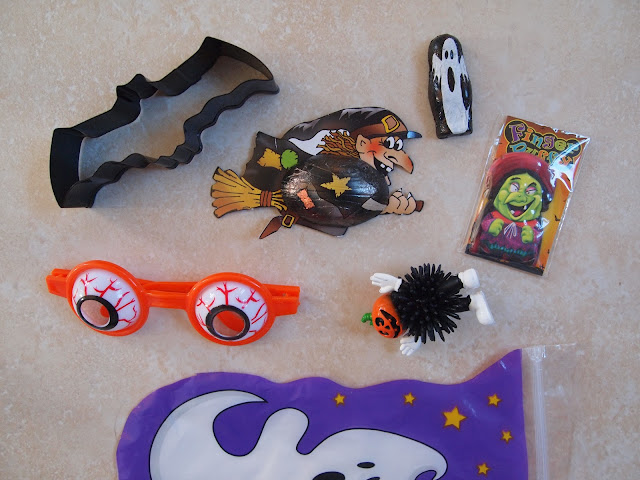Halloween party bags from Party Pieces