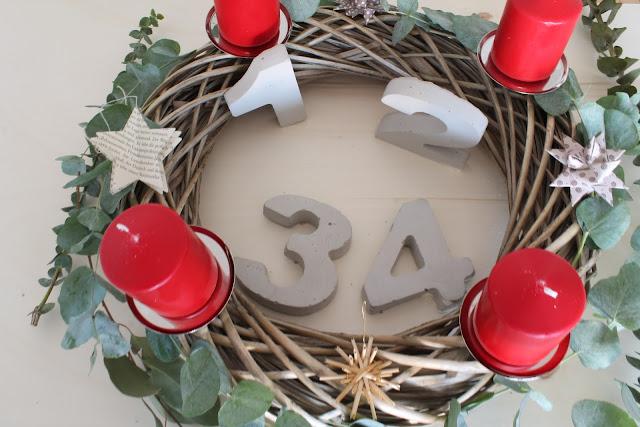 Adventskranz Beton selbermachen Weidenkranz DIY Merry and be vorglitzern Advent