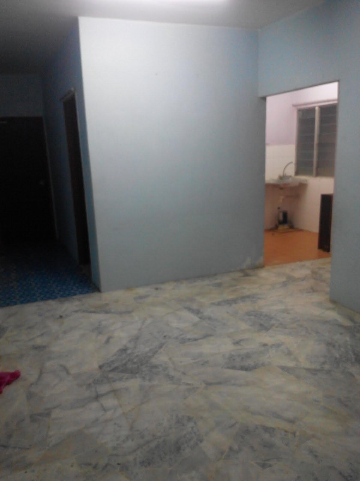 Saja Nak Update Latest Pic Ruang Tamu Rumah Den Masih Kosong Lagi Walaupun Dah 8 Bulan Pindah Tunggu Mood Datang Baru Boleh Hias Haha