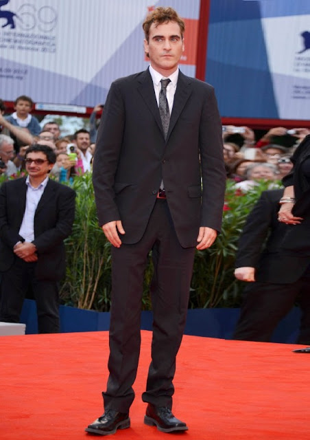 celebrity heights how tall are celebrities heights of celebrities how tall is joaquin phoenix. Black Bedroom Furniture Sets. Home Design Ideas