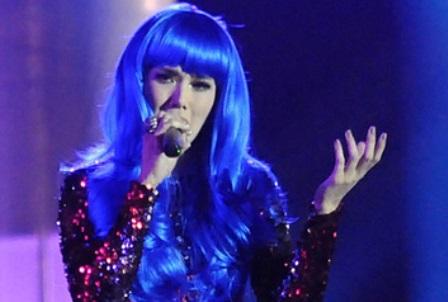 Model Rambut Berwarna Biru