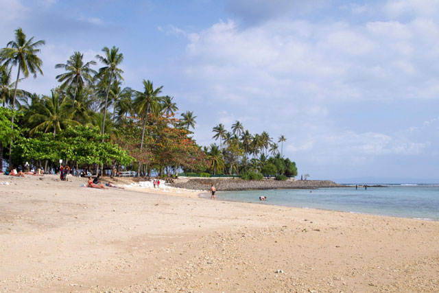 The roads which leaves Ampenan towards the due north BestplacetovisitinIndonesia; Senggigi Beach