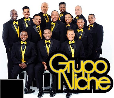 Foto de Grupo Niche bien uniformados