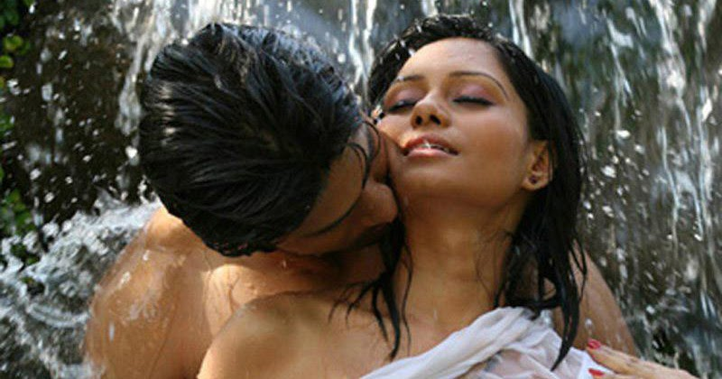 Desi Indian Wet Girl Photo-8873