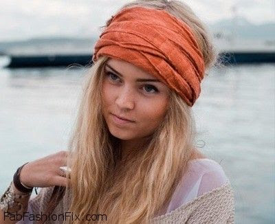 How-to-wear-infinity-scarf-in-summer-that's-look-attractive-4