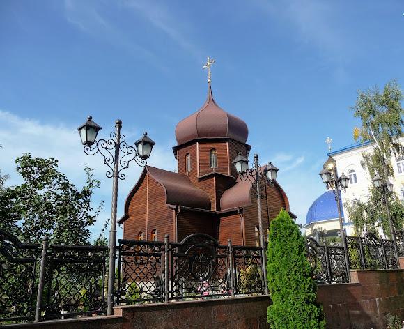 Банчени. Свято-Вознесенський монастир. Дерев'яний храм