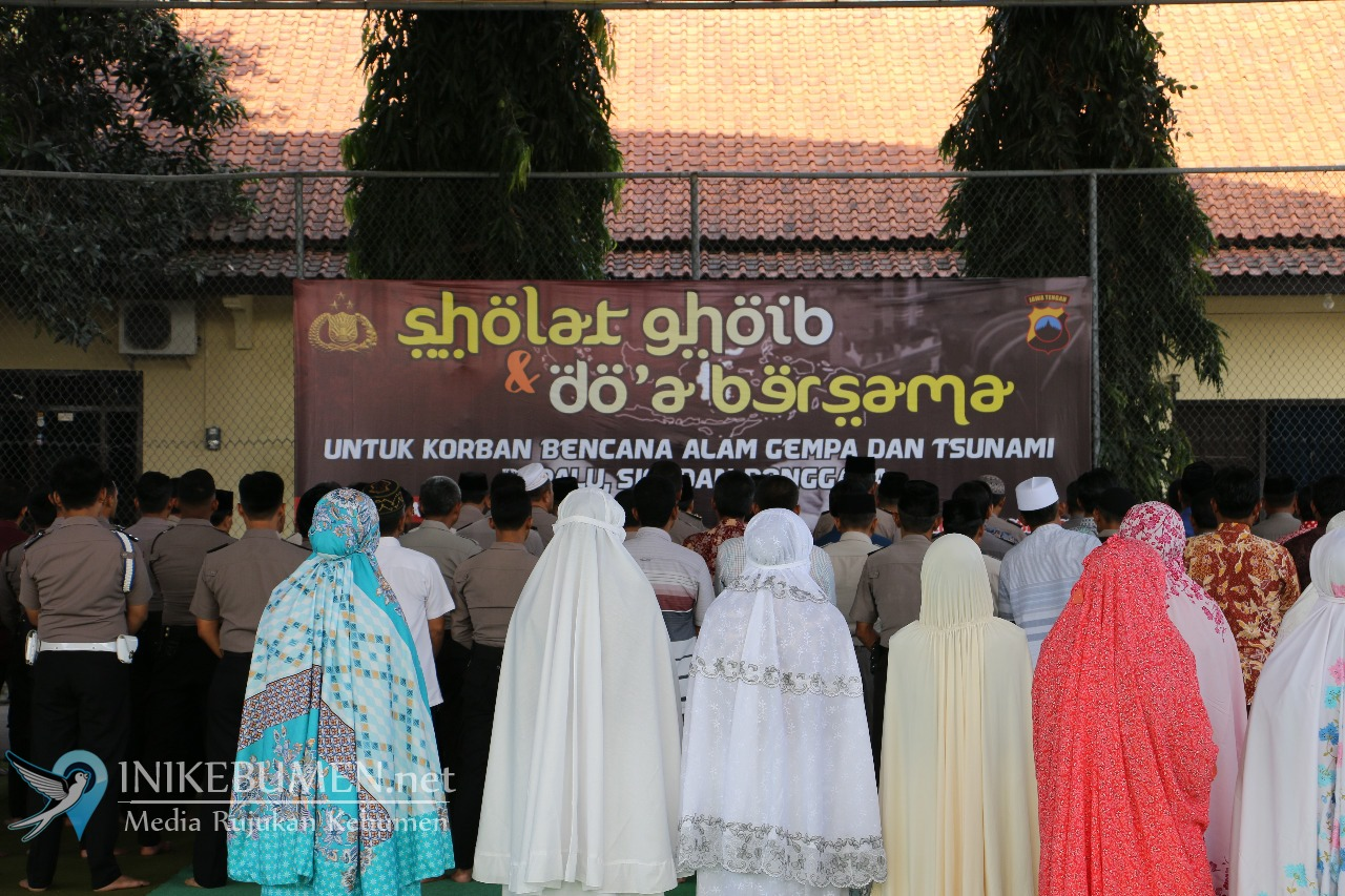 Doakan Korban Gempa dan Tsunami, Polres Kebumen Gelar Shalat Ghaib