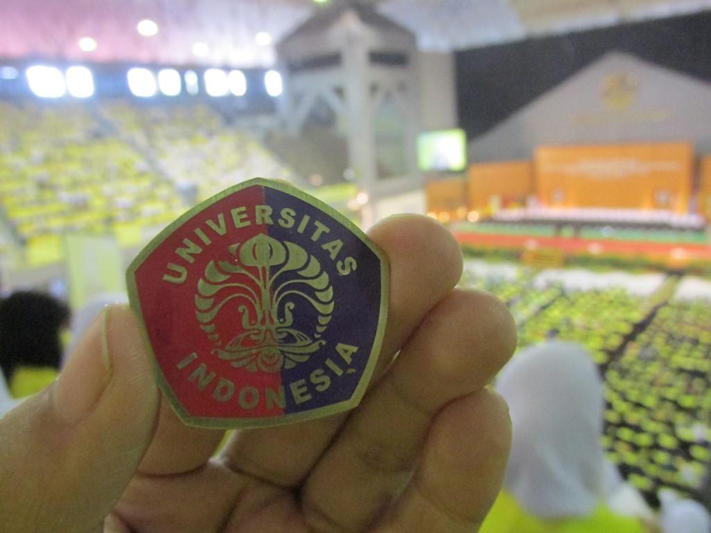 Makara Merah-Ungu kebanggaan mahasiswa FIA UI (via intantyastory)
