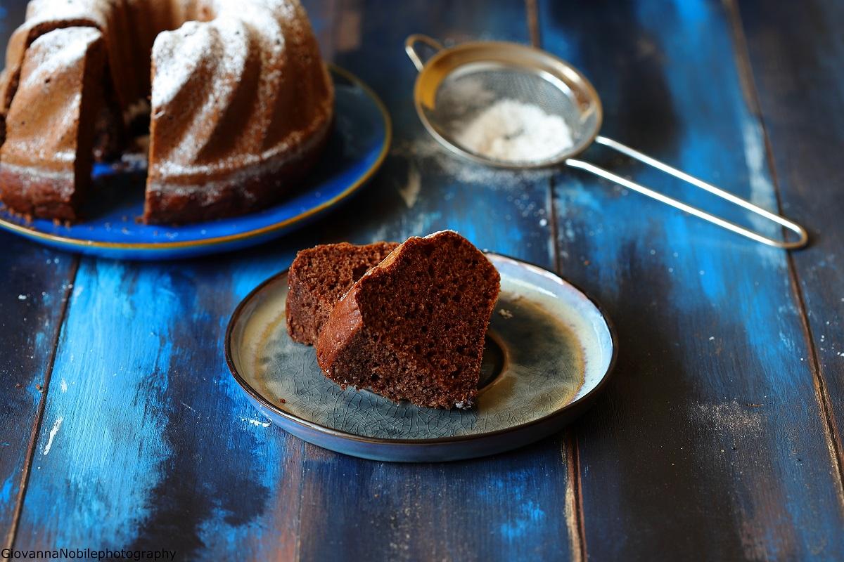 Bundt cake al cioccolato e mandorle