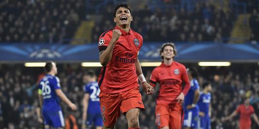 Thiago SIlva célébrant son but face à chelsea lors du huitième de finale retour de Ligue des Champions la saison dénière
