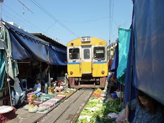 pasar-gila-thailand