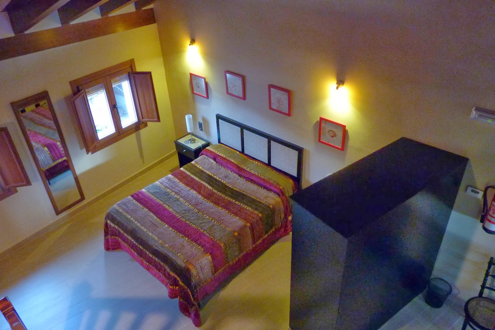 Requena. Casa Lucía, una de sus habitaciones.