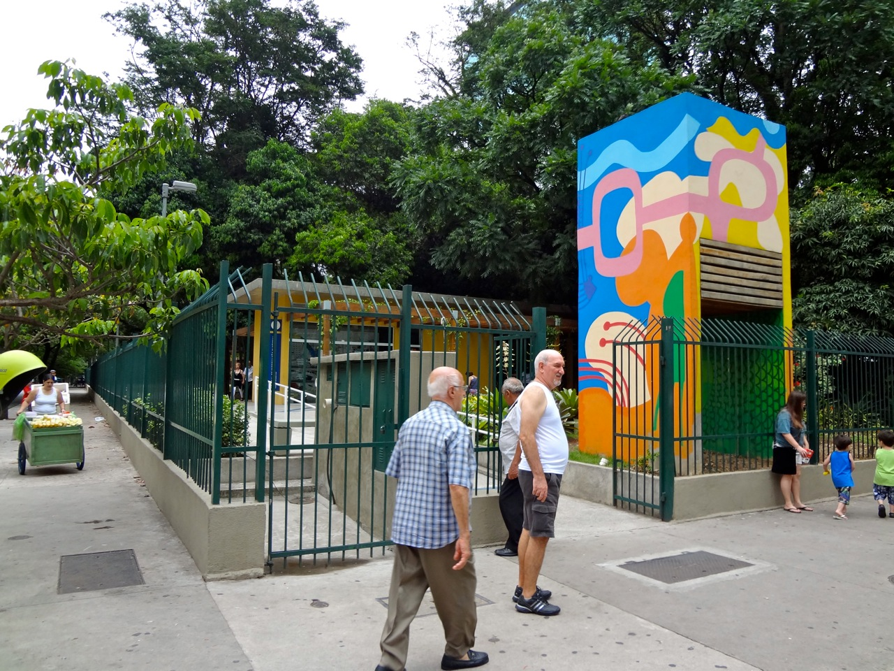 DSC00130 - Série Avenida Paulista: a Villa Fortunata e o parque. Como é o nome mesmo?