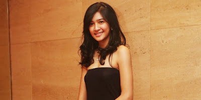 Foto Dan Biografi Mikha Tambayong