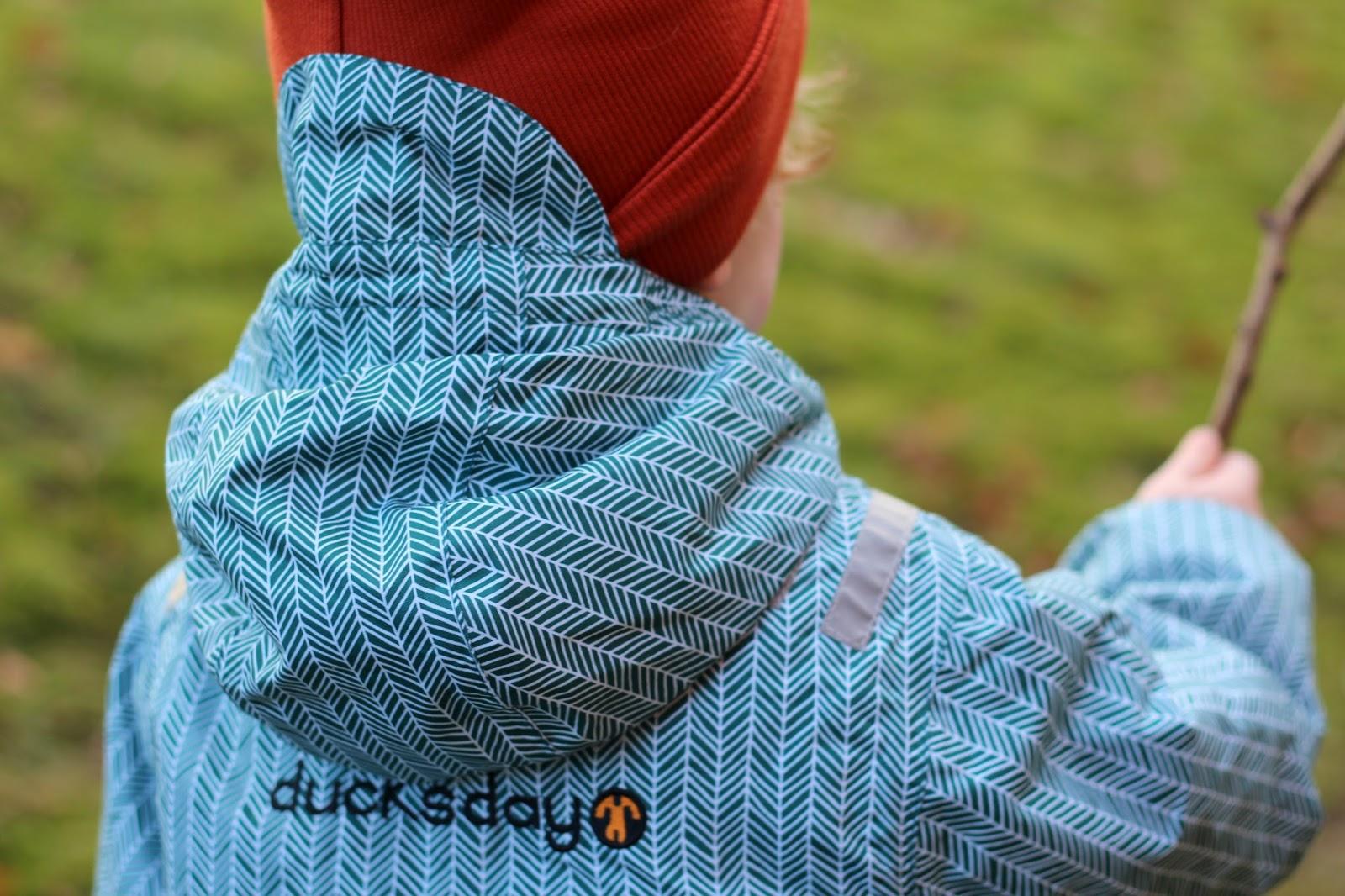 9820768c93f5a3 Die beliebten Schneeanzüge von Ducksday gibt es vielen tollen Farben und  Mustern