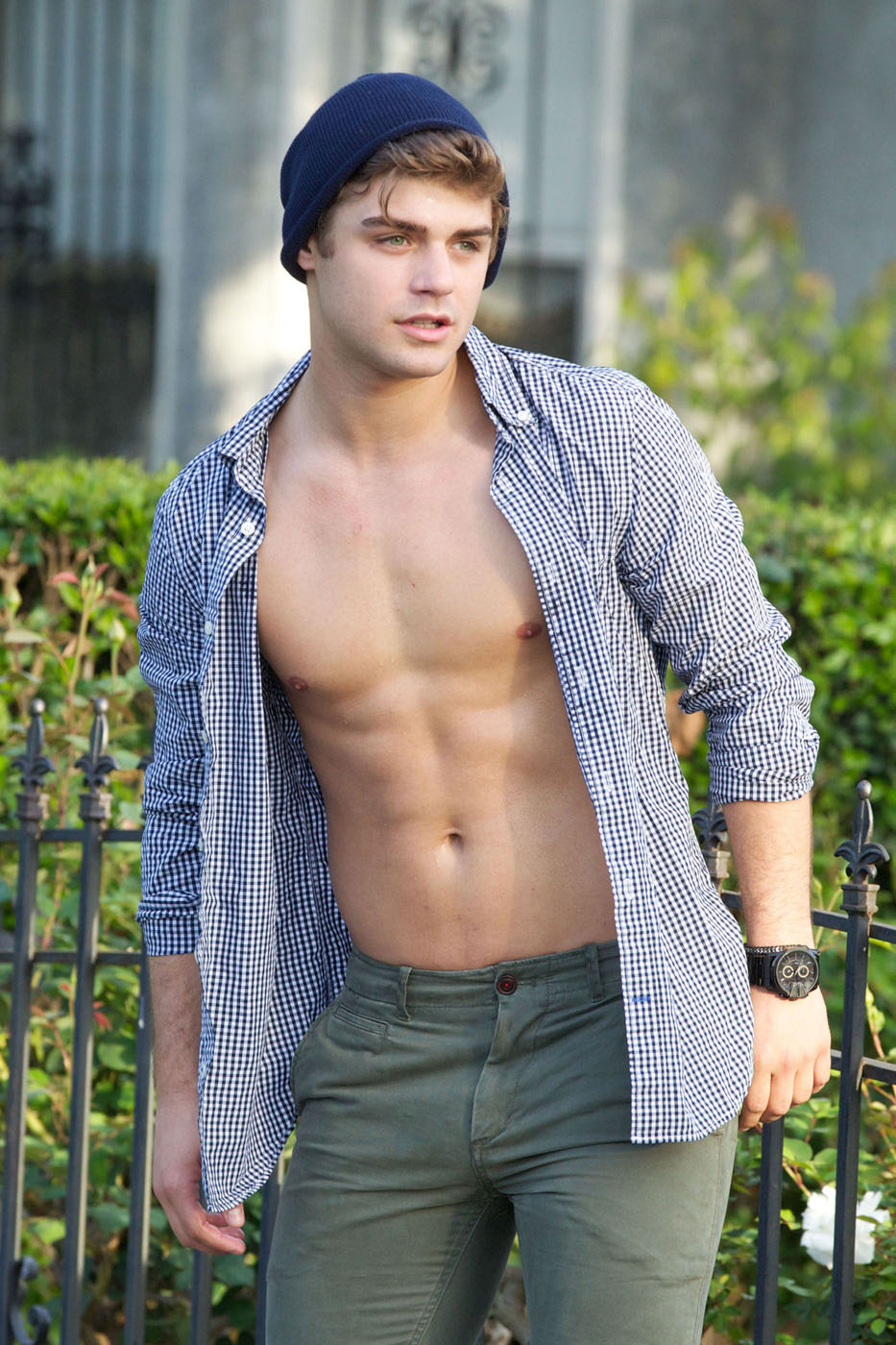 Garrett Clayton Flaunt Abs While Skateboarding  Oh Yes I Am-2334