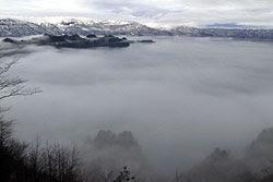 十和田湖に神秘的で幻想的な雲海出現