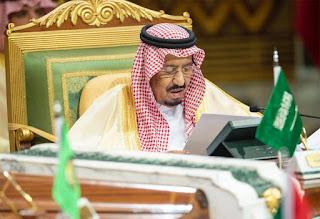 """خادم الحرمين """"السعودية لا تنظر إلى مصالحها فقط ورعاية الأشقاء جزء من دورها القيادي"""""""