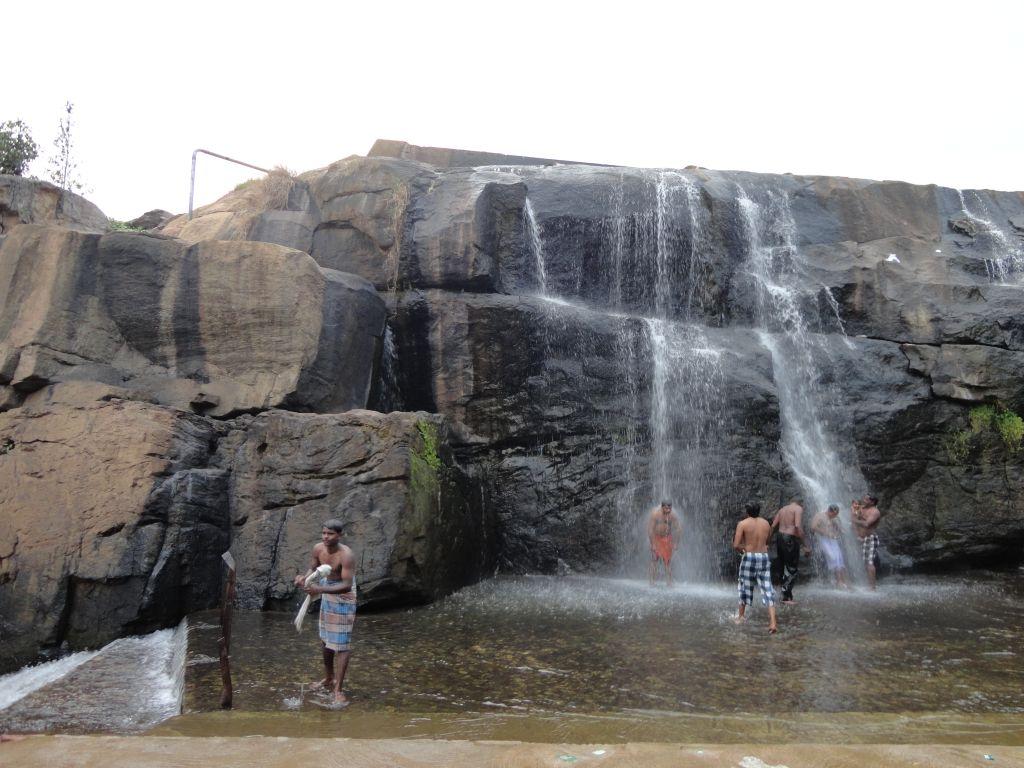Thirparappu Waterfalls