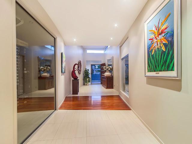 Queensland Gallery of Contemporary Arts Queensland Gallery of Contemporary Arts S1114 hires