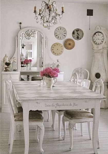 Inspiration shabby creare un soggiorno shabby chic for Arredamento soggiorno stile provenzale
