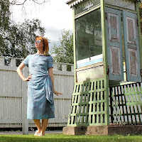 http://laukkumatka.blogspot.fi/2016/06/sinimekko-blue-dress.html