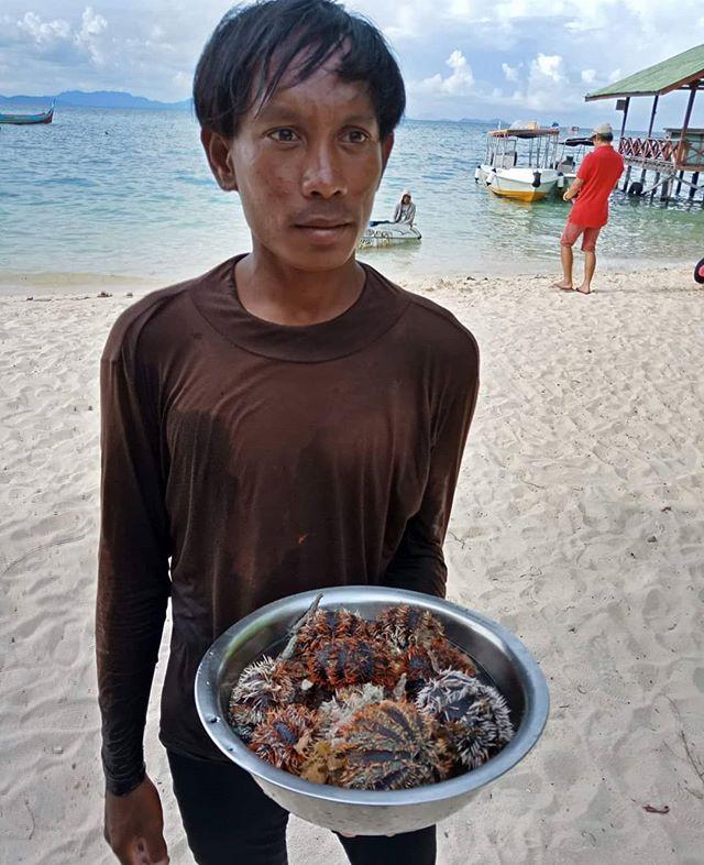 Semporna-Sabah-Malaysia-Blog-0-1-7-640x786
