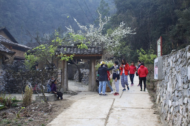 Ha Giang tour - Find Famous Film Set In Lung Cam Village 3