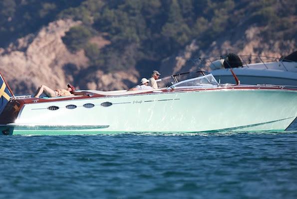 Princess Madeleine, Princess Elenore, Princess Sofia Hellqvist, Prince Carl Philip, Prince Daniel, Crown Princess Victoria and Princess Estelle on beach in Saint Tropez