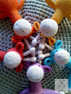 Żyrafki pięcioraczki amigurumi