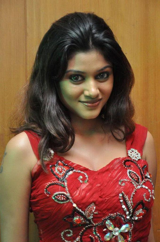 Actress Oviya Helen Hot Photos | Tamil Actress Tamil ...