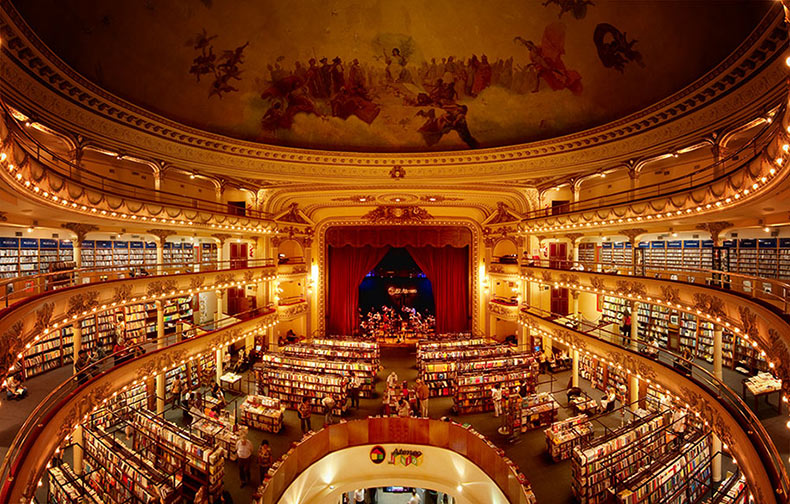 Teatro de 100 años de antigüedad en Buenos Aires reutilizado como una asombrosa librería