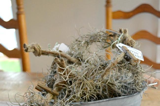 How to Make Farmhouse Mini Wreaths