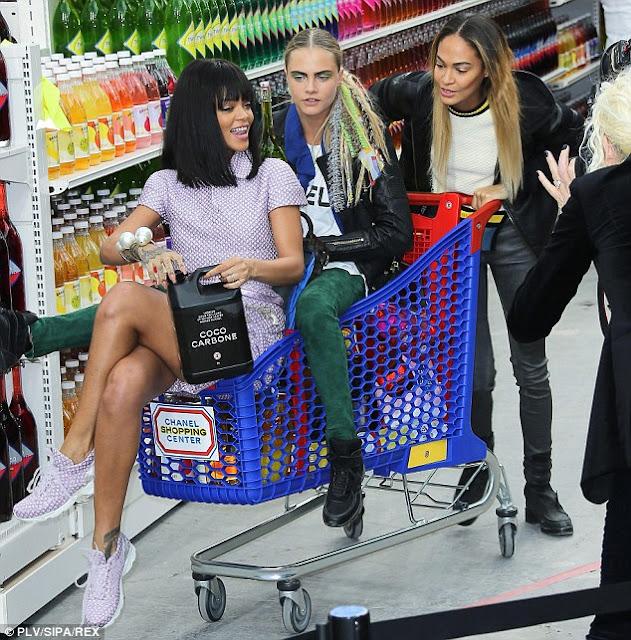 cara-delevigne-rihanna-chanel-supermarket