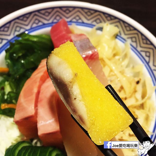 IMG 6260 - 【台中美食】 鱻屋 位於台中精誠路上的平價鮮魚蓋飯   絕對新鮮   海鮮丼飯  平價丼飯   精明商圈  