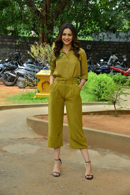 Tollywood Actress Rakul Preet Singh  IMAGES, GIF, ANIMATED GIF, WALLPAPER, STICKER FOR WHATSAPP & FACEBOOK