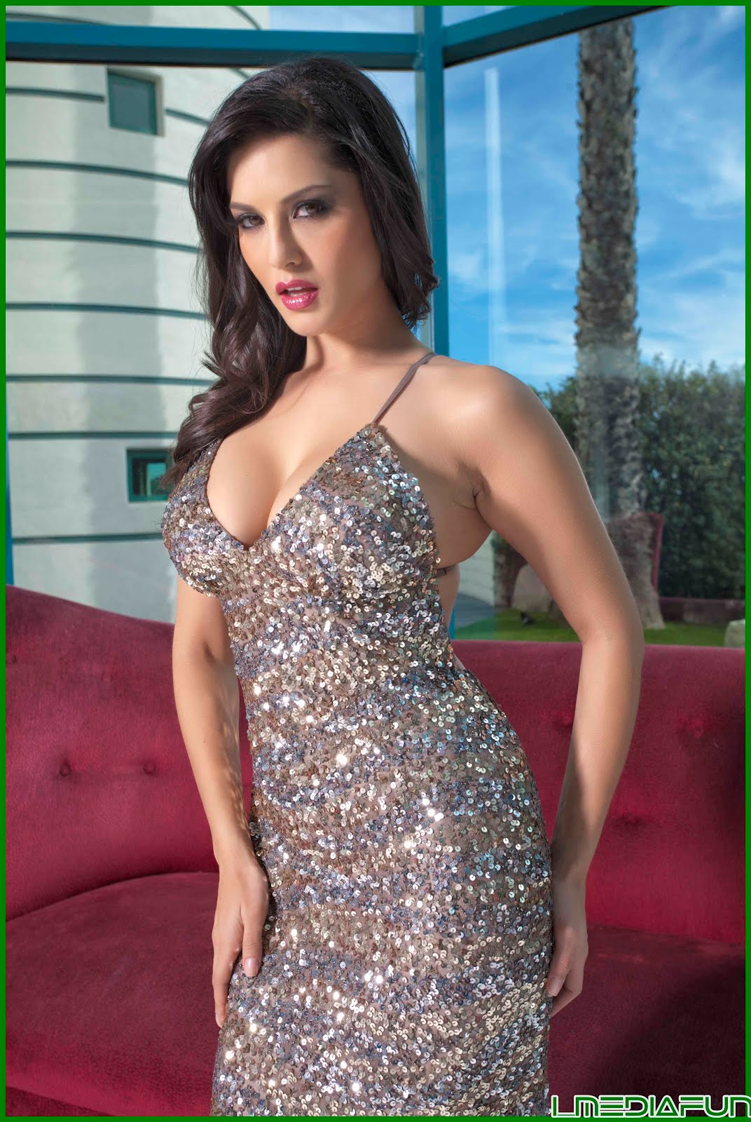 Naked Sunny Leone Picture