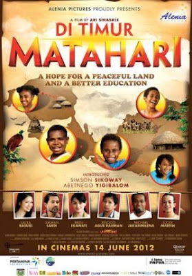 Download Di Timur Matahari (2012)