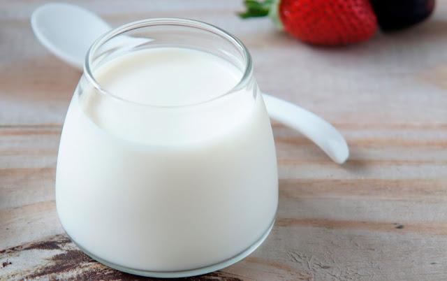Mẹo làm trắng da tại nhà bằng sữa chua