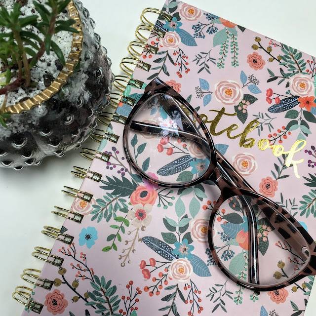 Reading glasses don't have to be frumpy or boring.  They can be stylish, fashionable, and flattering  | www.livingyoungandhealthy.com