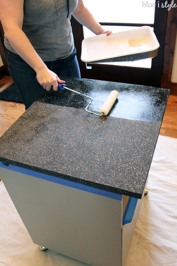 Update Laminate Countertops with Paint Using Rustoleum ...