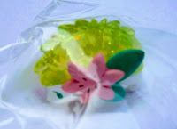 Shaymin figure land form clear with sparks version Takara Tomy Monster Collection 2008 Seven Eleven lanch box