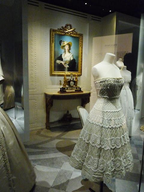 Exposition Dior Arts Decoratifs Catalogue Et Journaux