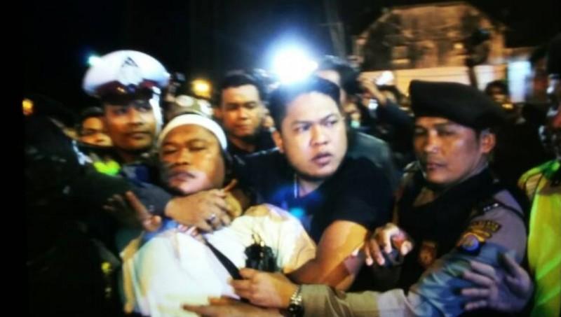 Anggota FUI ditangkap di Tugu Yogya