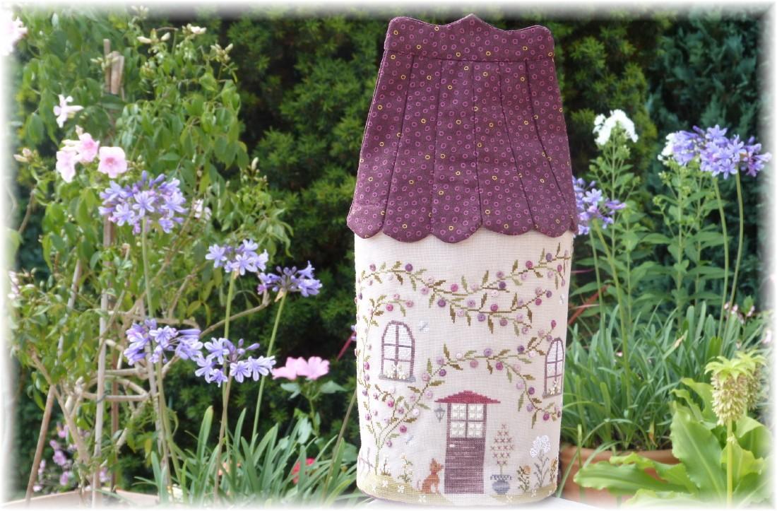 petits points au jardin xxx petit manoir campagnard. Black Bedroom Furniture Sets. Home Design Ideas