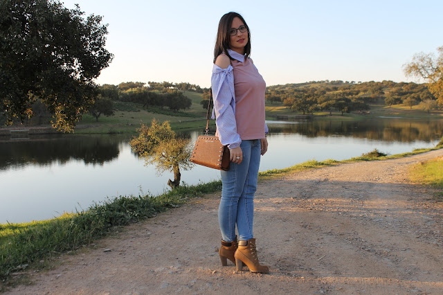 look casual blusa rosa con rayas blancas y azules
