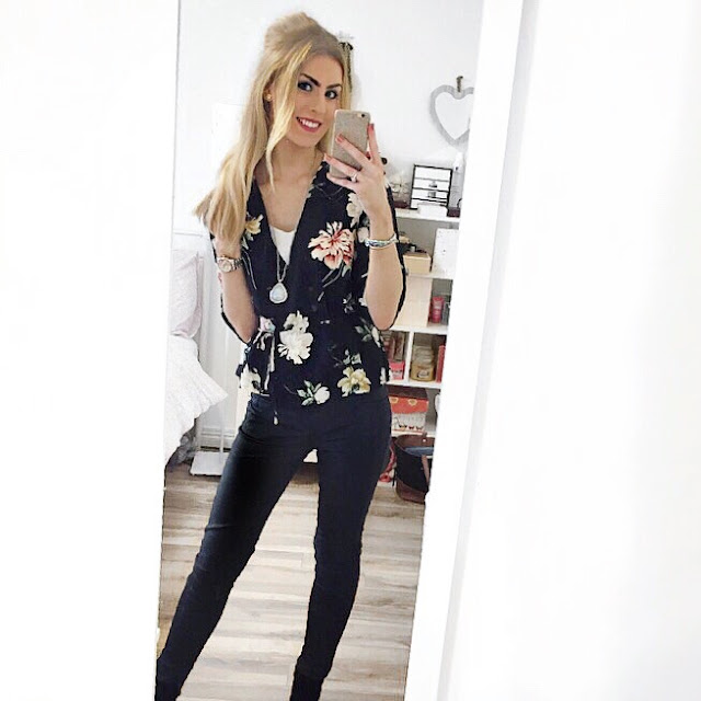 christmas ootd topshop floral wrap top ciara rose