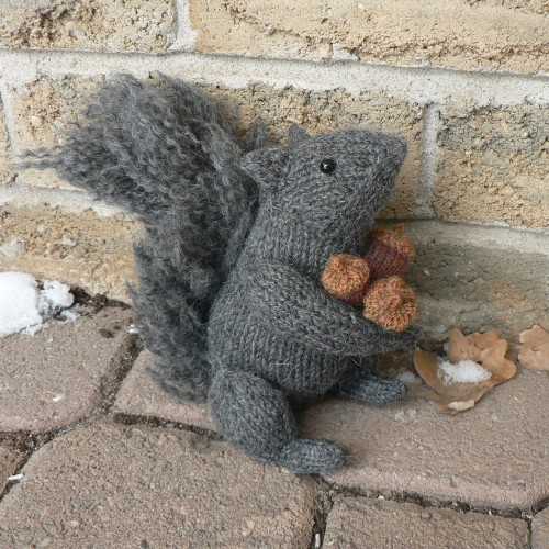 Squirrel - Free Knitting Pattern